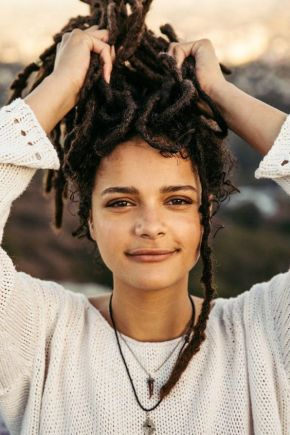 5 Easy Ways To Start Freeform Locs (Freeform Dreadlocks)